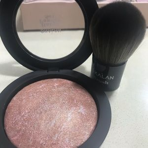 Baked powder body & face